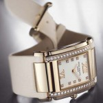 La montre Twenty-4 de Patek Philippe en or rose sur bracelet satin