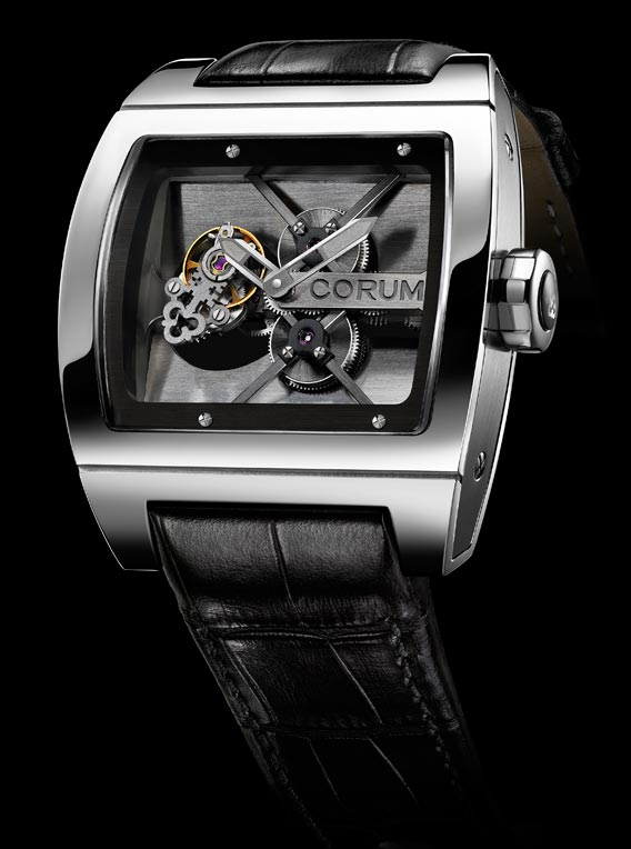La sublime montre Corum T-Bridge Tourbillon
