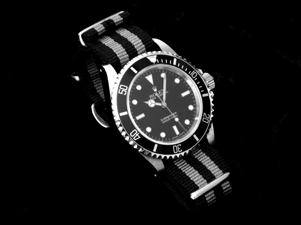 Rolex Submariner avec bracelet NATO (connu également par Montre de James Bond / Sean Connery)